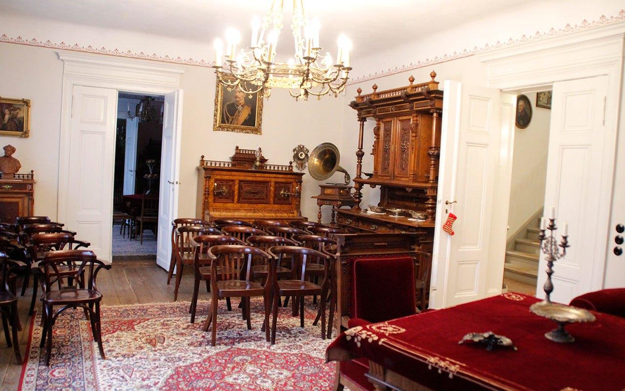 Gruenderzeitmuseum-im-Gutshaus-Mahlsdorf-2